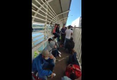 Más de 150 compatriotas desean ingresar por el Puente de la Amistad