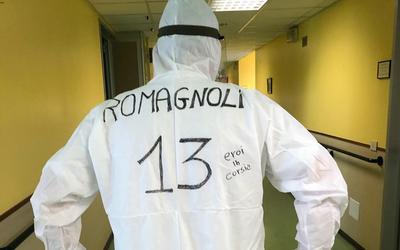 """En Italia, médicos """"salen a la cancha"""" con los números de sus ídolos"""