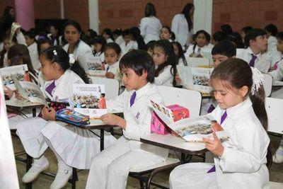 Ejecutivo anuncia fuerte inversión en educación si se suspende año lectivo