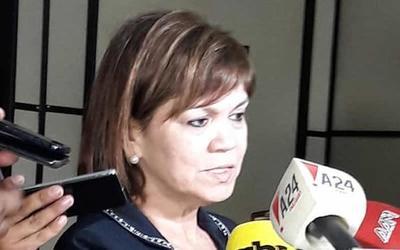 Caso Karin Salum: Abogada asegura que no violó su cuarentena y que tiene enfermedad respiratoria de base por lo que fue llevado a su domicilio