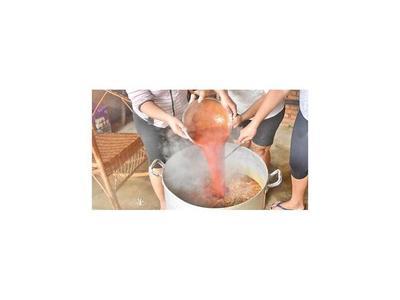 Roseños donan casi G. 12 millones y 4 toneladas de alimentos no perecederos