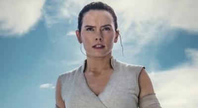 "HOY / Daisy Ridley negocia protagonizar el thriller ""The Ice Beneath Her"""