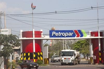 Benigno López aseguró que, si Petropar encuentra lugar para almacenar combustible, apoyará compra masiva de carburantes