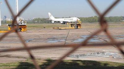 Diputados amplían denuncia contra empresas encargadas del avión carguero proveniente de China