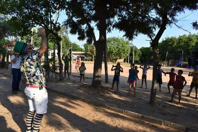 Pedrito alegra a los niños de  Caacupé