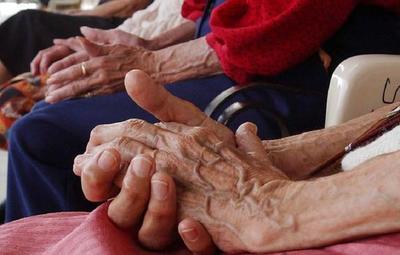 Día del Adulto Mayor: Invitan al compromiso para lograr una vida saludable para ellos