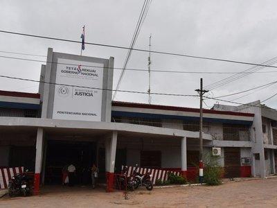 Reclusos y agentes penitenciarios controlan principio de incendio en Tacumbú