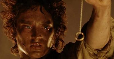 Elijah Wood (Frodo), denuncia pedofilia organizada en Hollywood