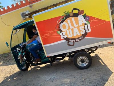"""Emprendimiento """"Olla Guasu"""" entrega almuerzos solidarios casa por casa"""
