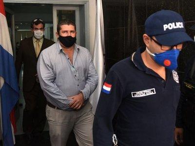 Martí se entrega y niega hackeo de celulares de periodistas y diputado