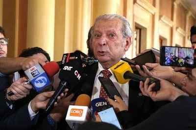 """""""Calé"""" """"aborrece"""" corrupción en uso de dinero público"""