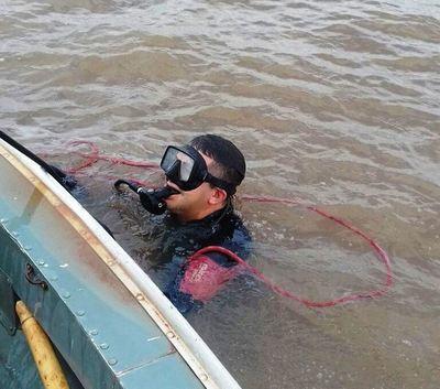 Buzos buscan cuerpo en Lago Yguazú