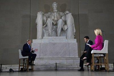 Trump asegura que reapertura es posible protegiendo la salud