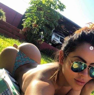 AIHUEPÉTE Jenni Ruiz Díaz y su bronceado hot con topless incluido
