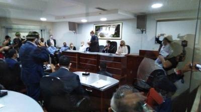 HOY / Ministros del Ejecutivo se encuentran en la Gobernación de Alto Paraná, para abordar la situación fronteriza