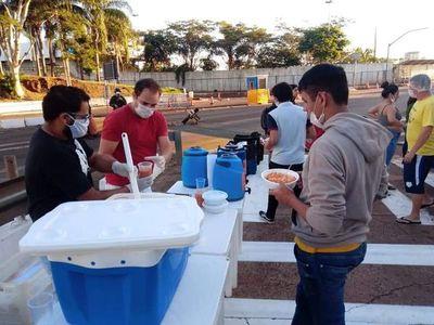 Brasileños que asistieron a connacionales varados en el puente se someterán al test de COVID-19