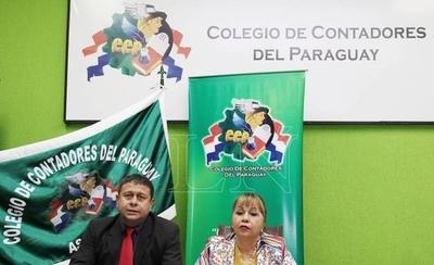 HOY / Alba Talavera, miembro del consejo directivo del Colegio de Contadores, sobre la realidad de los contadores en Paraguay