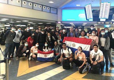 Canciller afirmó que más de 1.200 compatriotas piden volver al país