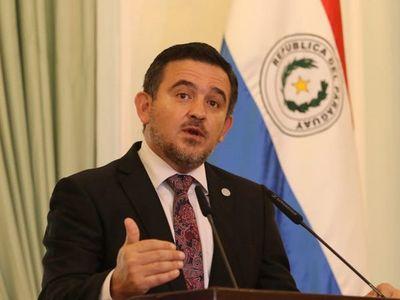 Senado aprueba interpelación al ministro Eduardo Petta