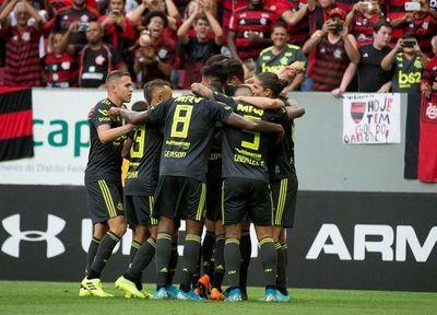 Alerta en el Flamengo de Robert Piris: 38 positivos por covid-19