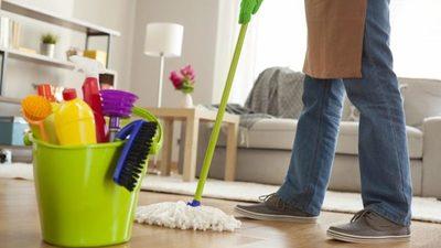 ¡Nada de mezclar estos productos de limpieza!