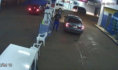 Sobrino del titular de INDERT aparentemente cargó combustible y se dio a la fuga sin pagar