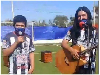 """The Fenders aconsejó a Jaka: """"Ñamantene ára ñande humildad"""""""