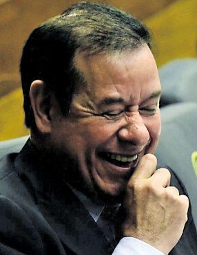 Cuevas insiste en salir de prisión para cirugía dental