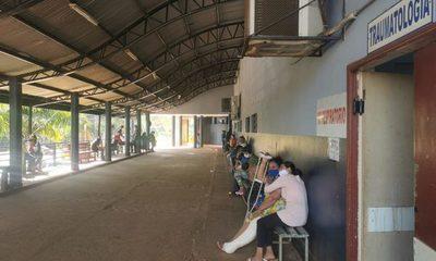 Pacientes de Traumatología aguardan por horas en Pabellón de Traumas para ser atendidos