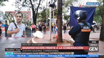 HOY / Se realiza una manifestación frente a la Gobernación de Alto Paraná, exigiendo asistencia del gobierno