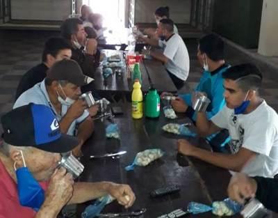 Compatriotas alojados en RI 10 Sauce cuentan peripecias vividas en Brasil