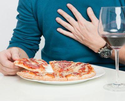 Acidez estomacal: qué la causa y cómo calmarla