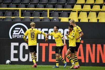 El Dortmund de Haaland aplasta al Schalke en el reinicio de la Bundesliga