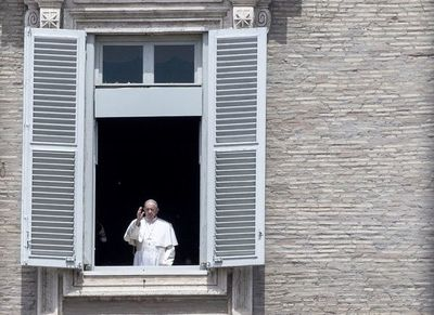 Papa exhorta a respetar las medidas de seguridad para poder celebrar misa