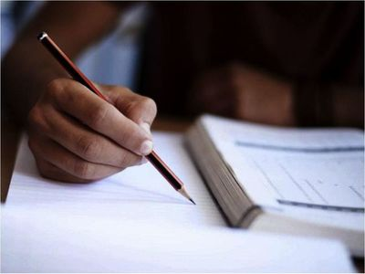 Becal puede  adaptar su programa de subsidio a universitarios en el país