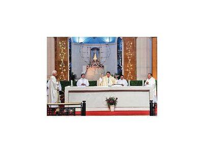 Buscar la honradez y la sinceridad pide obispo Valenzuela