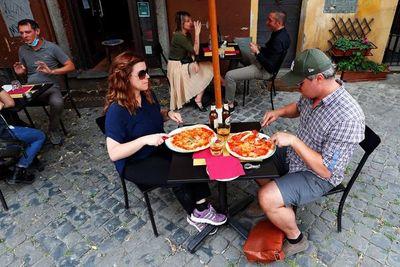 Italia vuelve a relativa normalidad