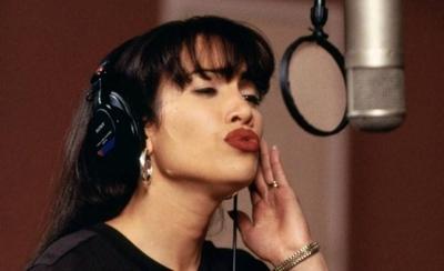 HOY / Revelan escenas nunca vistas de Jennifer López como Selena Quintanilla