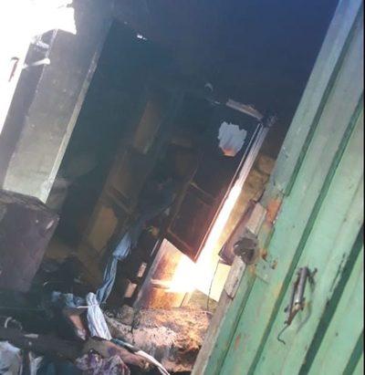 Incendio provoca daños materiales en un inquilinato
