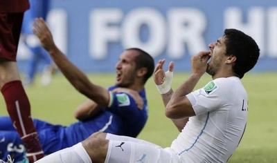 HOY / Chiellini disculpa y elogia a Suárez por el mordisco del Mundial 2014