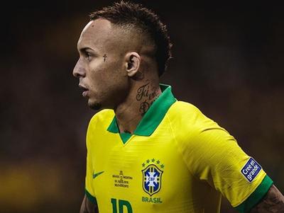 Everton despide a su abuelo y arremete contra Bolsonaro