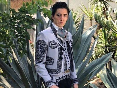 Alex Fernández dedica a su padre su nueva canción El tiempo no perdona