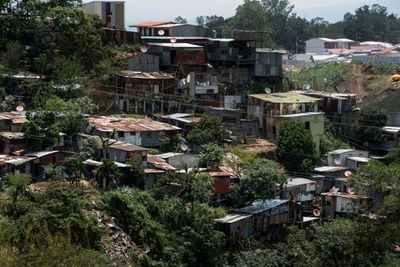 Recomiendan créditos para paliar aumento de la pobreza que dejará el 2020