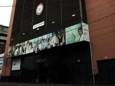 Crítican una millonaria adjudicación  para limpieza de edificios del MEC