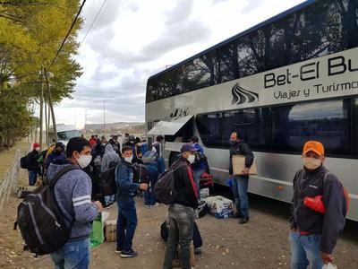 """Hoy llegan más paraguayos del exterior: """"Hay 860 habitaciones en 16 hoteles"""""""