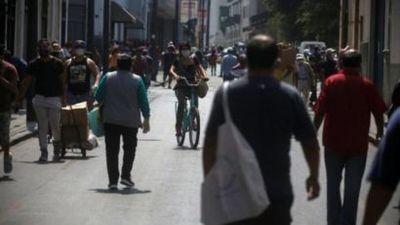 Cuarentena en Perú: 5 factores que explican por qué las medidas de confinamiento no impiden que sea el segundo país de América Latina con más casos de covid