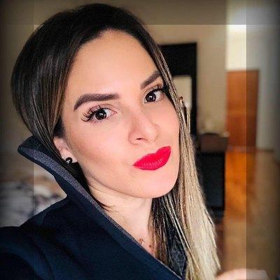 NDE BÁRBARO: Emañami a la doña de Aguilar, destapadísima