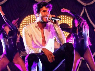 Sebastián Yatra estrena su soltería cantando con Morat