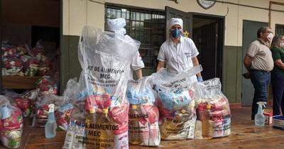 Continúa entrega de kits de alimentos
