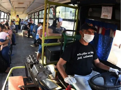 Gobierno baja pasajes, pero a costa de aumentar subsidio al transporte